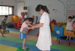 小儿脑瘫治疗中我们需要注意些什么