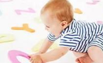 脑瘫儿童的早期症状的主要表现